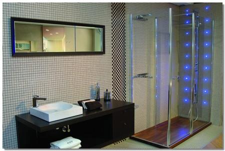 Decoração do banheiro com box de vidro