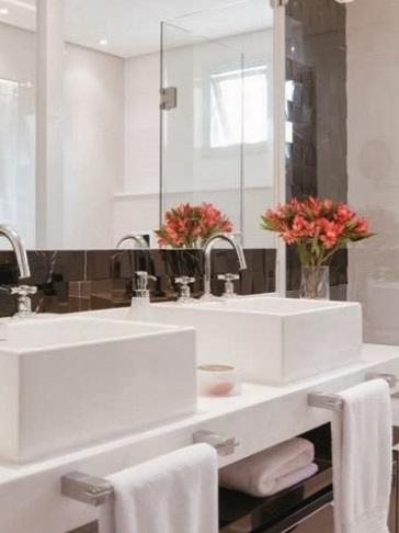 Flores no banheiro