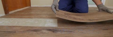 Piso de borracha que imita madeira