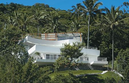 Fachada de casa de praia diferente