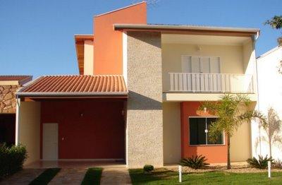 Fachadas de casas simples com varanda 30 fotos for Casas modernas y baratas