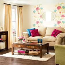 Casa com papel de parede