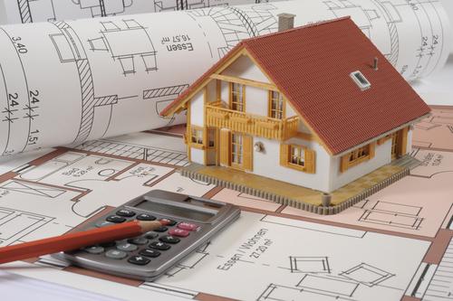 Vale a pena construir com construtora?