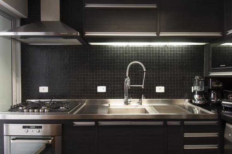 10 modelos de cozinhas decoradas com pastilhas de vidro