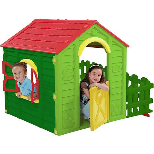 Casa de plástico de boneca