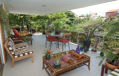 Sacada e varanda decorada