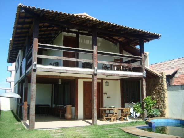 Casa de madeira pré-moldada