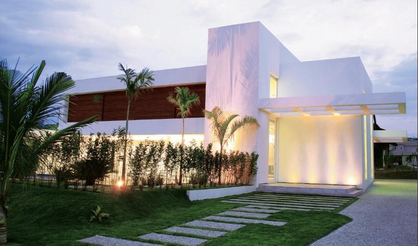 7 fachadas de casas americanas for Como hacer una fachada de casa moderna