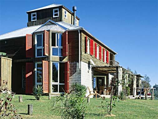 Casa moderna com madeira