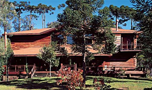 Fachada de madeira para casa