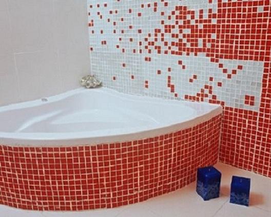 Banheiros decorados com pastilhas de vidro -> Banheiro Com Faixa De Pastilha Vertical