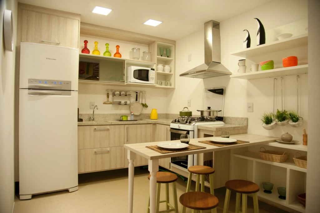 Cozinha compacta clara