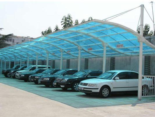 Garagem em policarbonato para vários carros