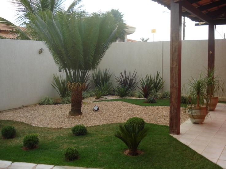 decoracao muros jardim:Os mais comuns de serem construídos são esses jardins externos e