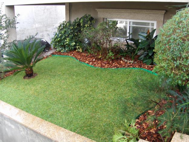 Image gallery jardins residenciais pequenos for Jardins pequenos e simples
