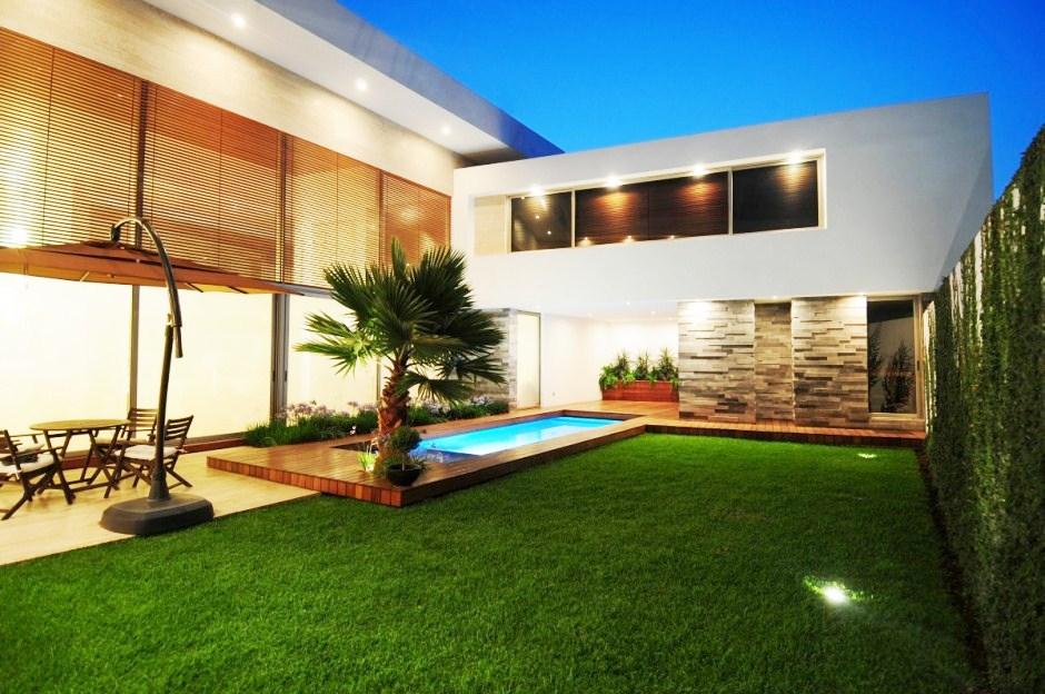 Jardins de casas modernas com piscina casitas y palapas for Casa moderna y lujosa