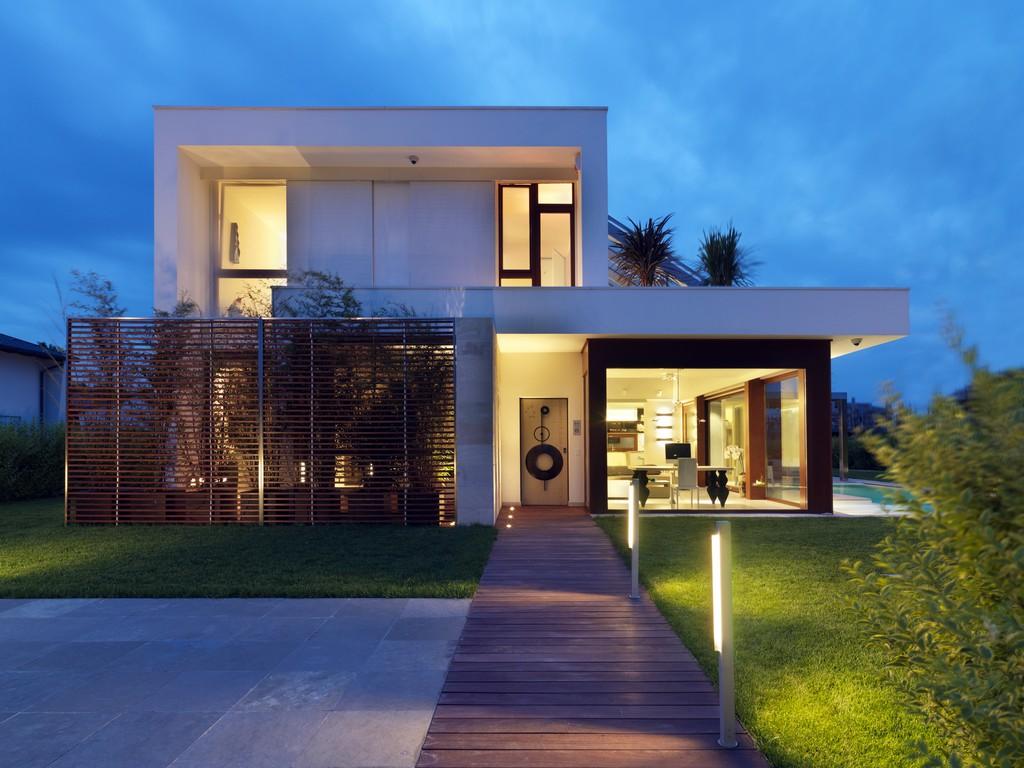 38 casas modernas para inspirar for Casas modernas oscuras