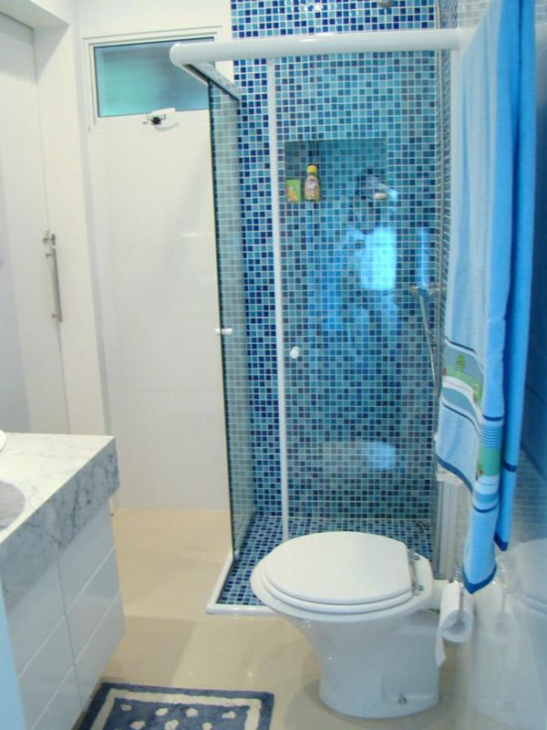Decoração de Banheiros com Pastilhas 10 modelos -> Banheiros Com Pastilhas Apenas No Box