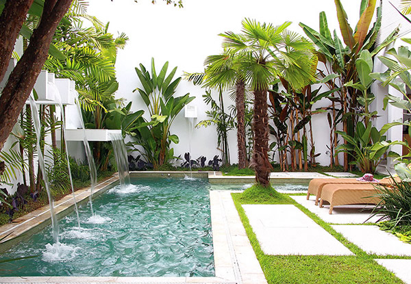 100 fotos de jardins de casas para inspirar for Ver jardines decorados