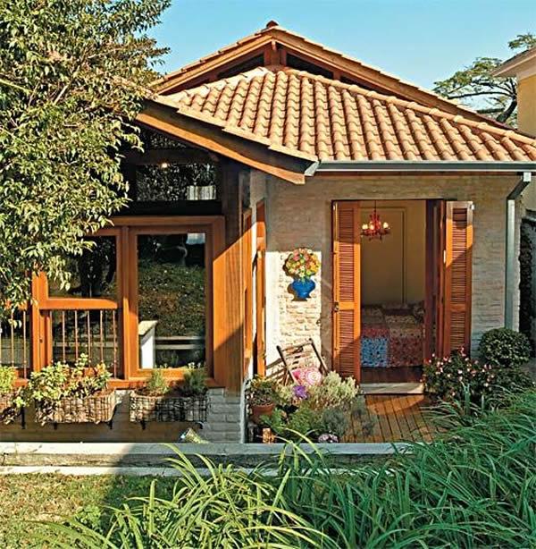 Resultado de imagem para fachada casa pequena madeira