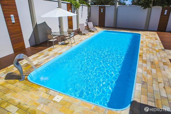 piscina de fibra ou alvenaria qual a mais barata
