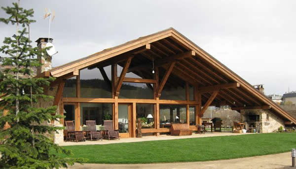 Chal s 30 fotos dicas for Casas con tejados modernos
