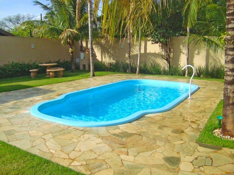 Modelos de piscinas para sua casa 40 fotos for Modelos de piscinas medianas