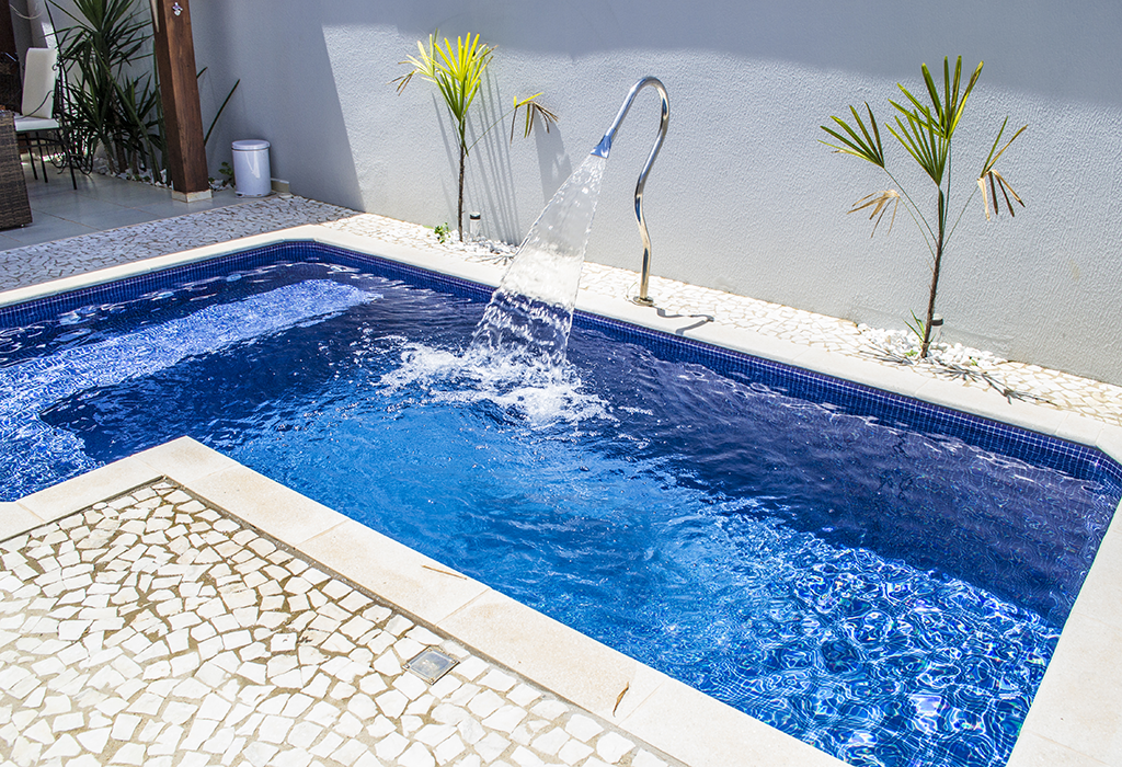 Modelos de piscinas para sua casa 40 fotos for Vaso piscina