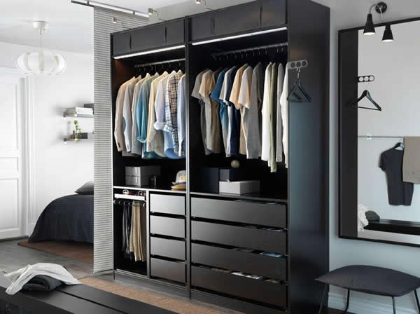 Closet 13