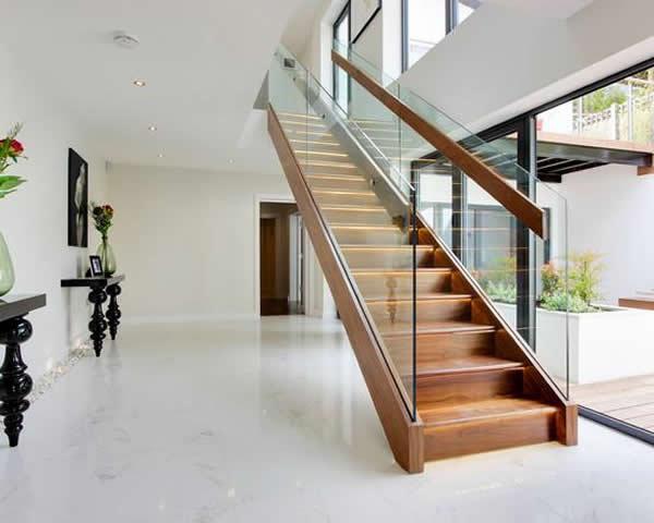 Escadas de madeira 28 modelos para sua casa - Escaleras de madera modernas ...