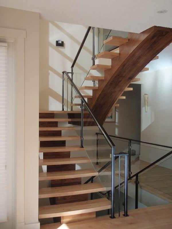 escadas de madeira 28 modelos para sua casa. Black Bedroom Furniture Sets. Home Design Ideas