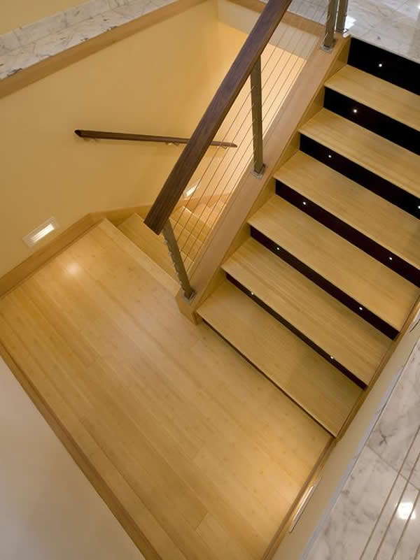 Escada de madeira 24
