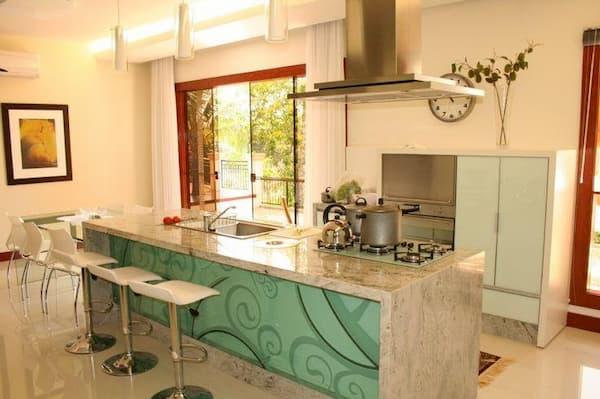 Cozinha em granito branco