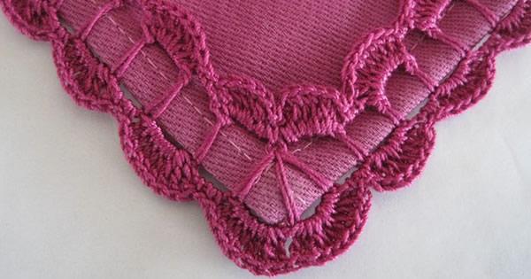 Bicos de Crochê rosa