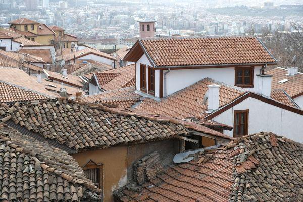 Como calcular a inclinação do telhado