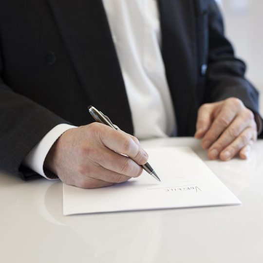 exemplos de contrato para pedreiro