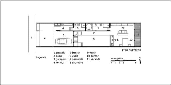 planta de casa estreita com varanda e suite