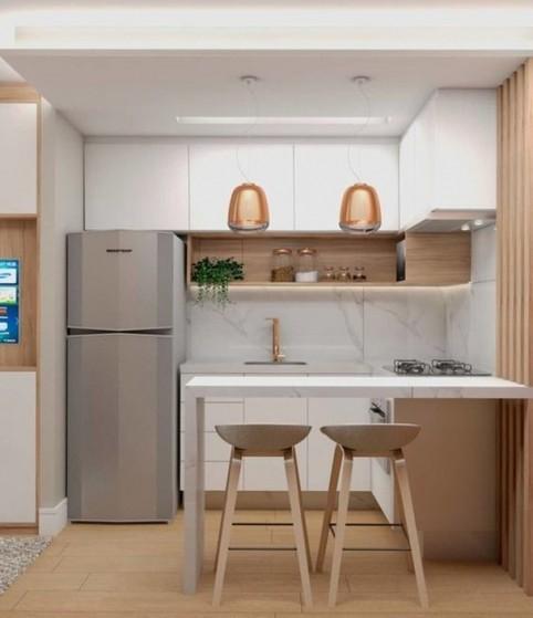 cozinha pequena com porcelanato na parede