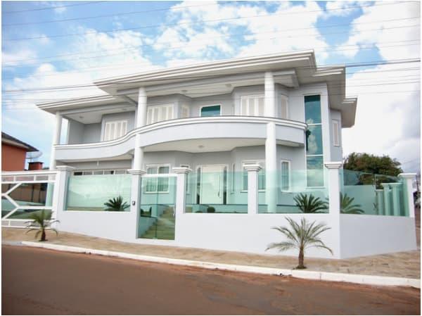 fachada para casa com vidro