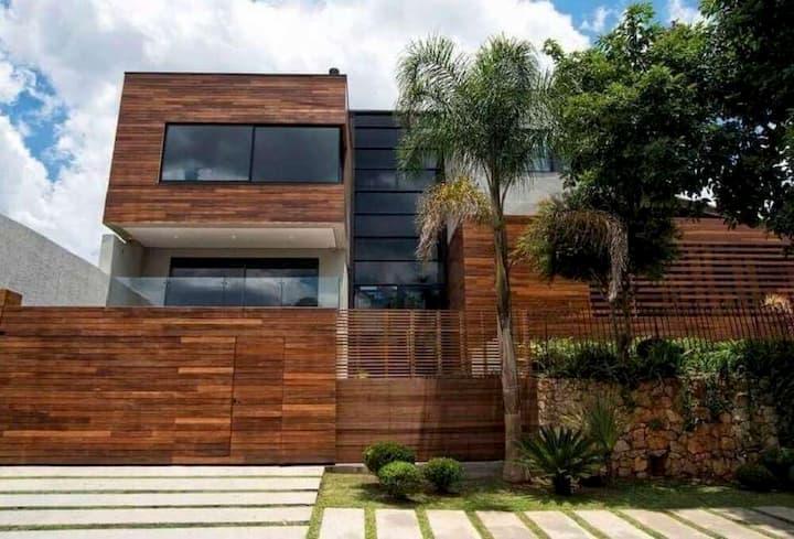 muros de de madeira para casa grande e moderna