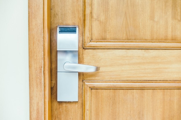 como instalar batente de porta