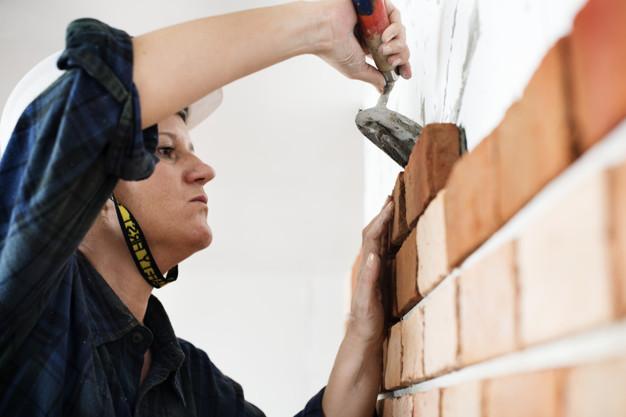como rebocar parede com gesso