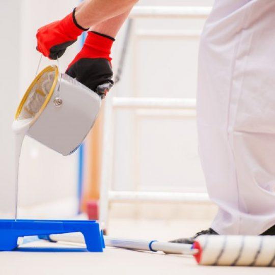 como consertar parede descascando