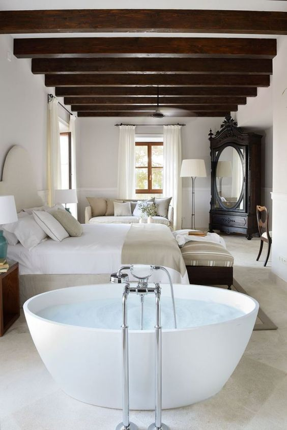 banheira no quarto