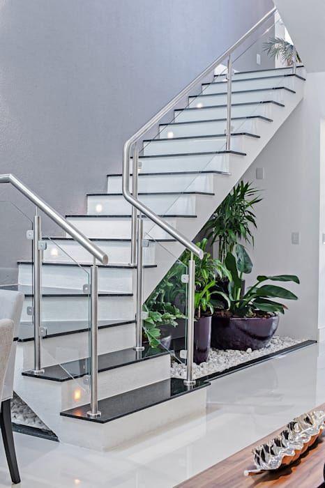 escada em u branca