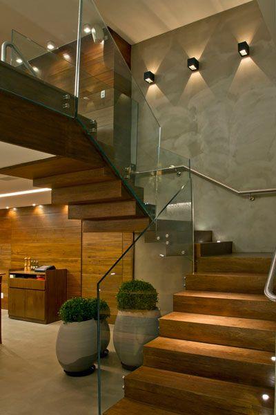 escada em u de madeira