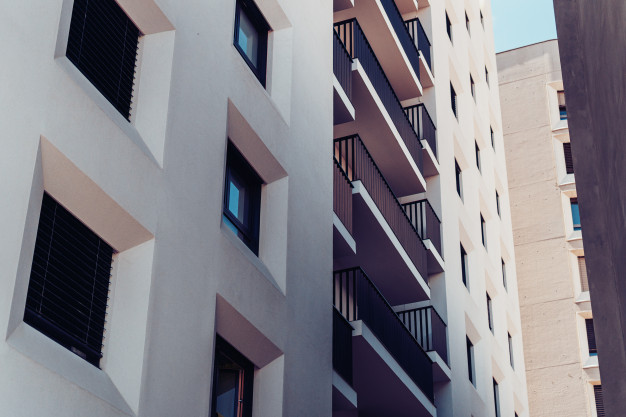 como limpar janelas de apartamento