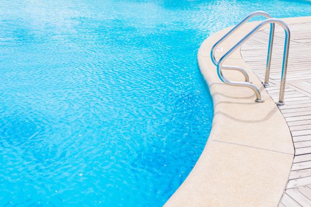 limpar piscina de alvenaria
