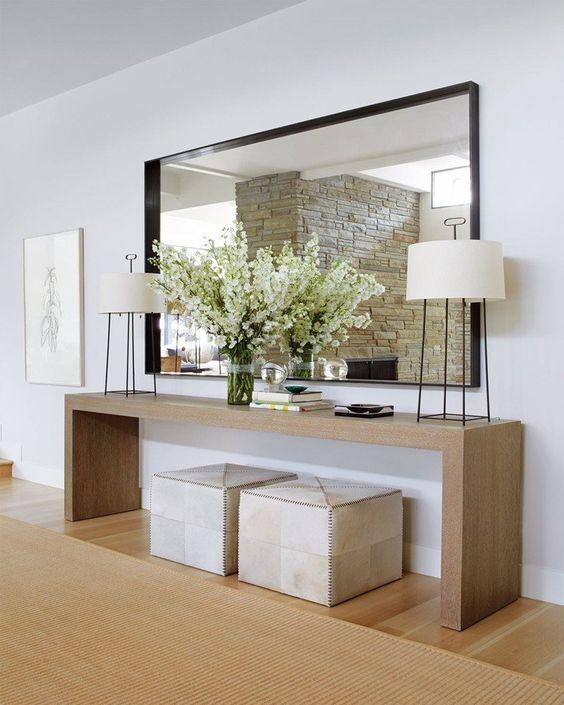 sala de estar com espelho