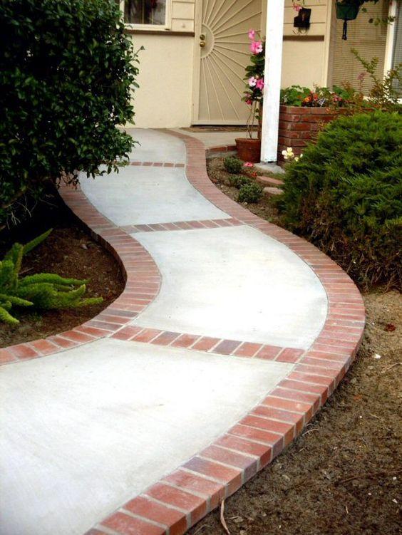 Calçadas de casas com cimento ou paver